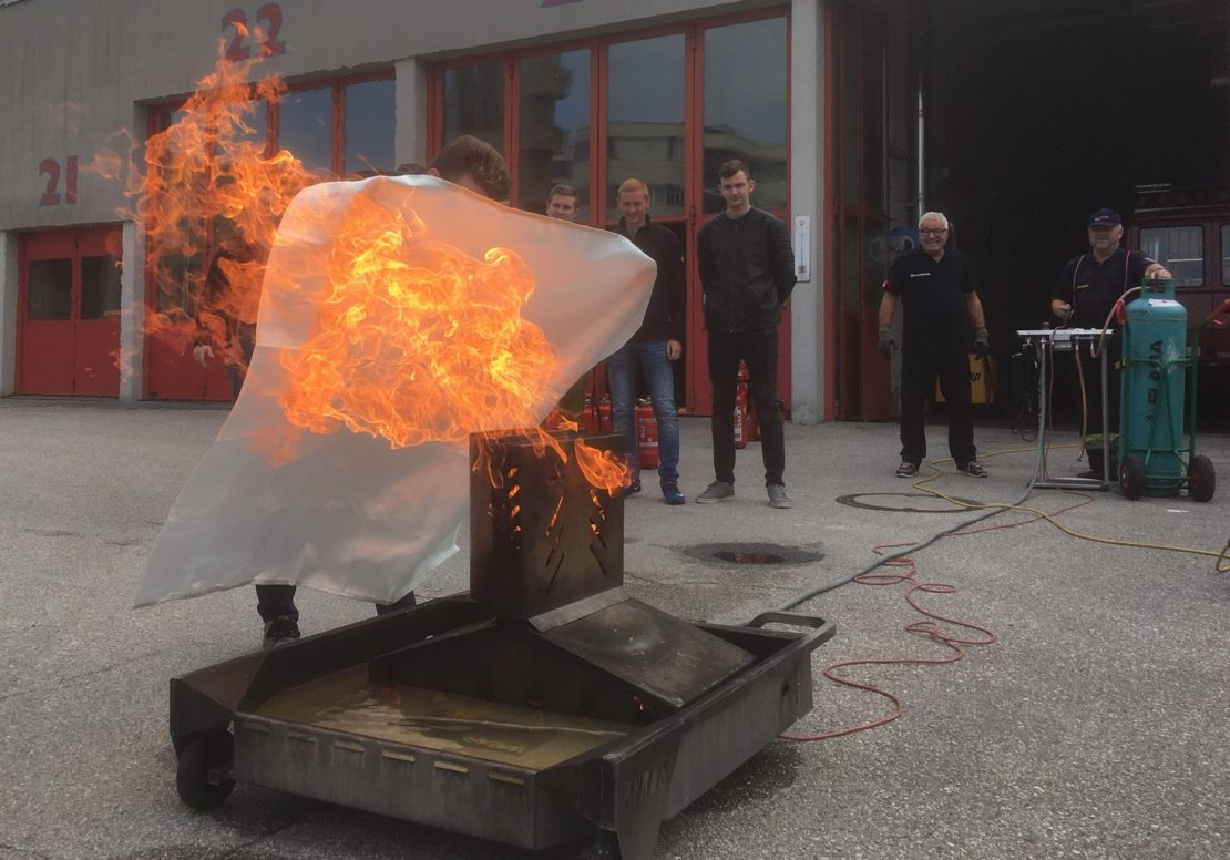 51 HTL Schüler zum Brandschutzwart ausgebildet