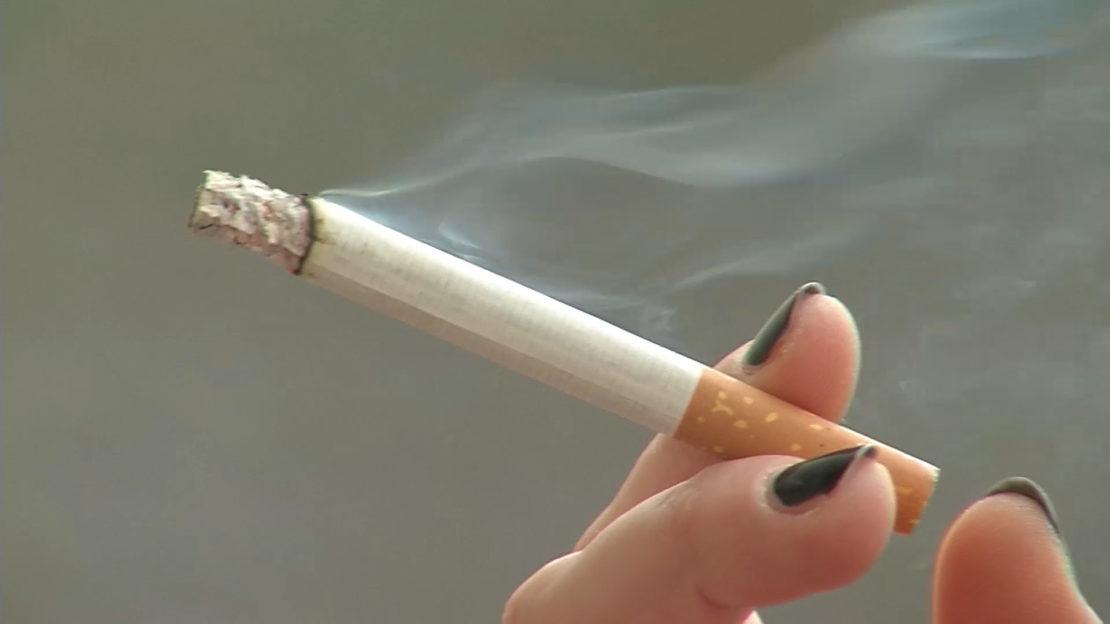 Totales Rauchverbot - Raucher müssen vor die Tür
