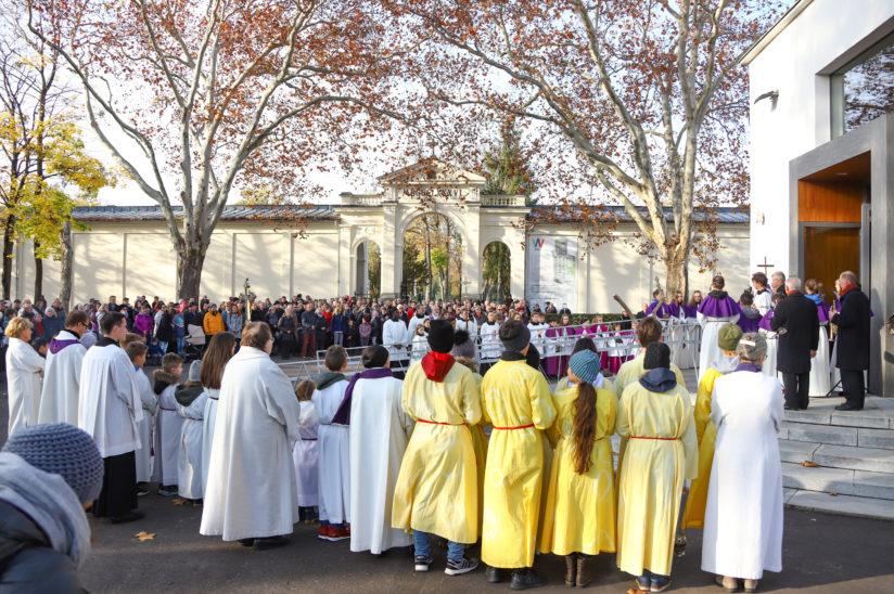 Totengedenken zu Allerheiligen am Friedhof der Stadt Wels