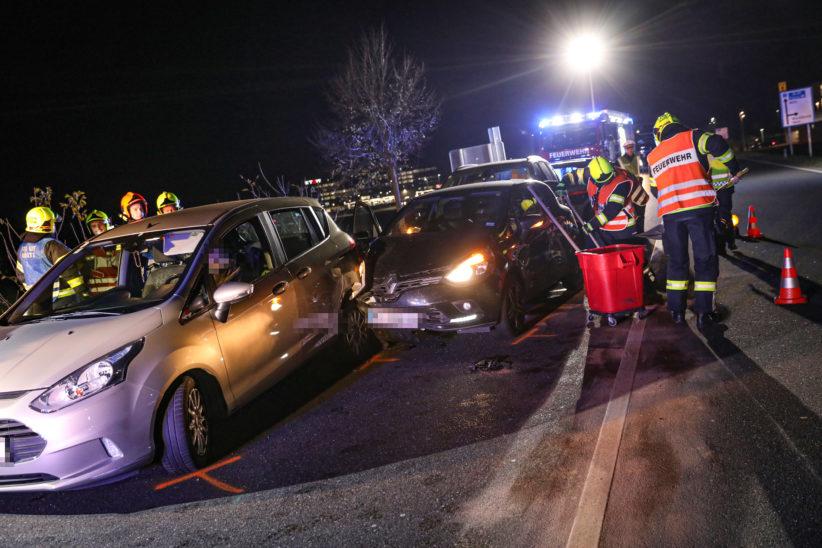 Blechsalat nach Unfallserie auf Wiener Straße bei Marchtrenk