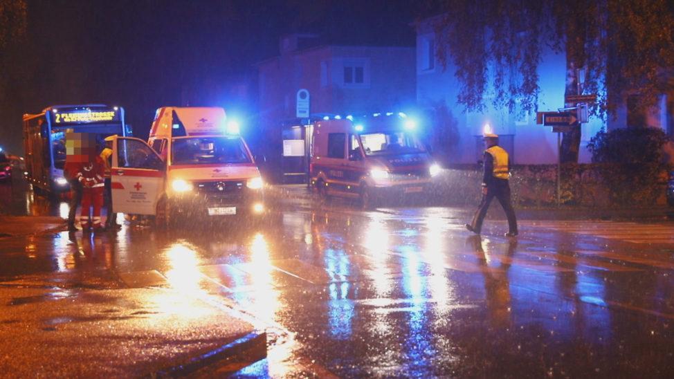 Person in Wels-Vogelweide von Auto erfasst und schwer verletzt