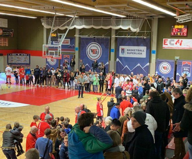 Raiffeisen FLYERS Wels feiern Heimsieg gegen den Meister aus Kapfenberg mit 67:58