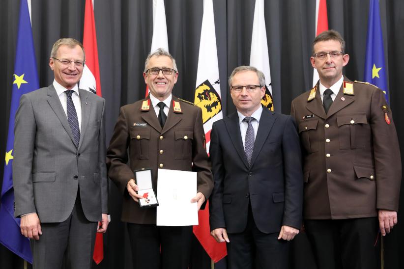 Auszeichnung für Welser Feuerwehrmann