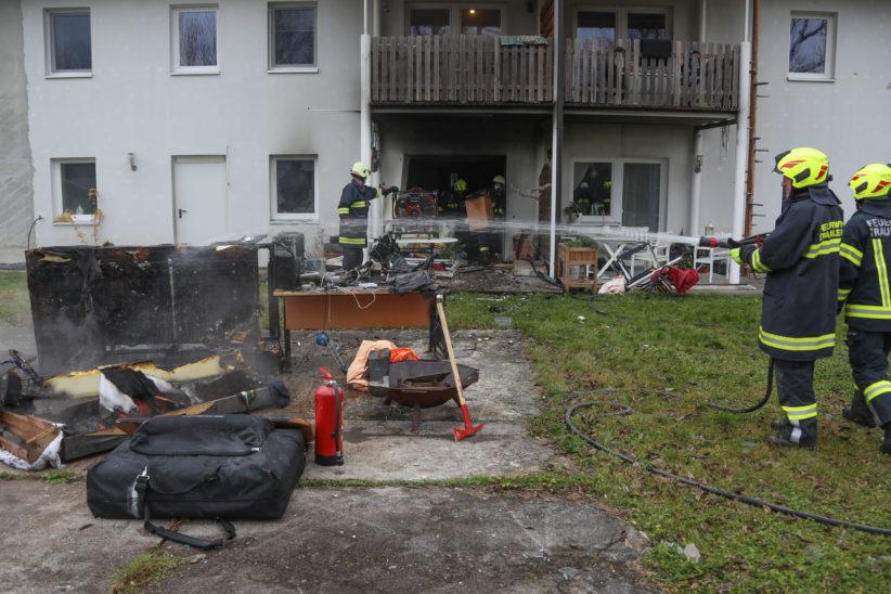 Explosion und Brand einer Wohnung in Steinhaus