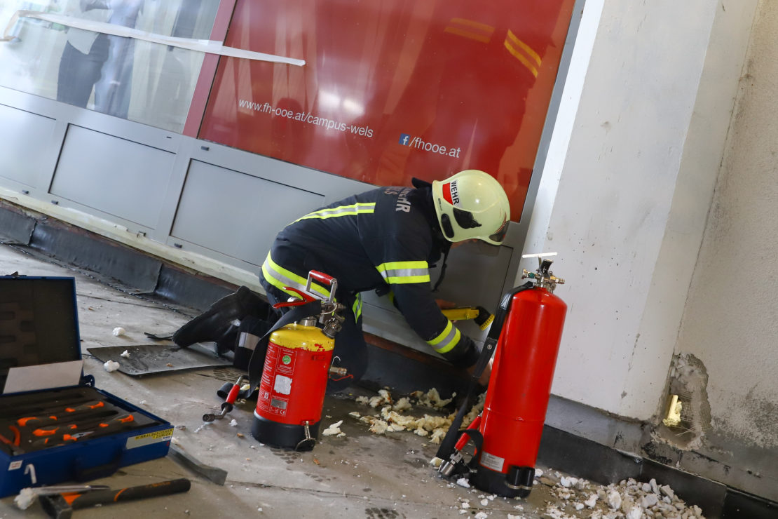 Neuerlicher Dehnfugenbrand bei Sanierungsarbeiten in Wels-Innenstadt