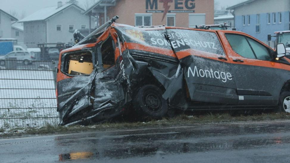 Stauchaos nach Verkehrsunfällen auf Wiener Straße bei Machtrenk