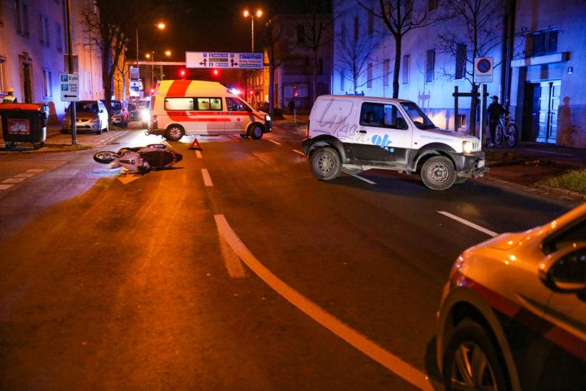 Verkehrsunfall mit Motorroller in Wels-Innenstadt fordert einen Verletzten