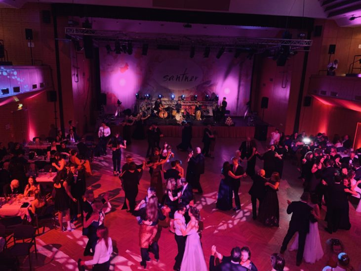 Debütanten-Ball der Tanzschule Santner