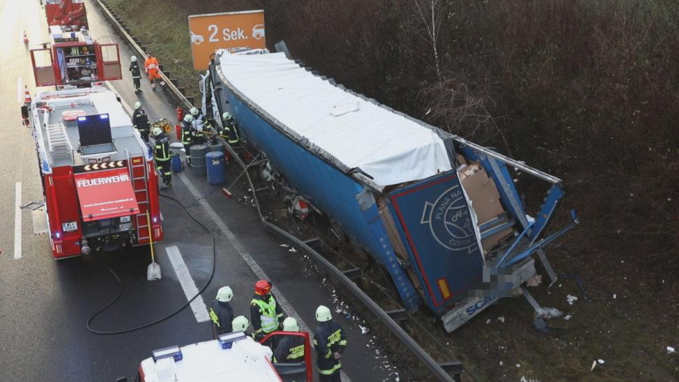 Schwerer LKW-Unfall auf der Pyhrnautobahn bei Sattledt