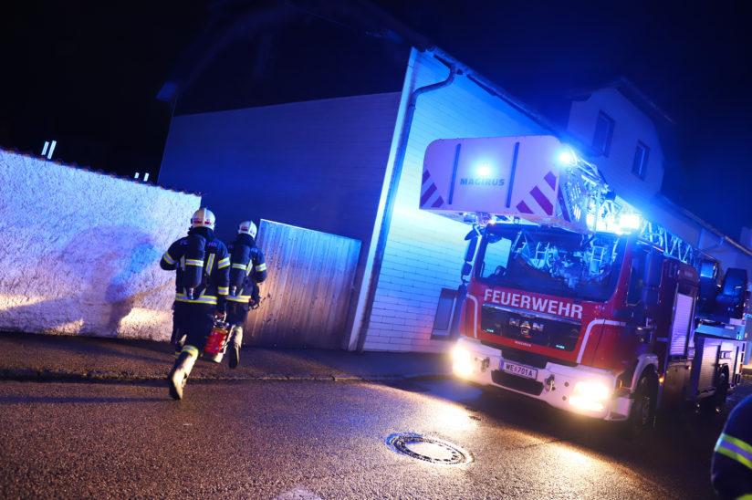 Schnelle Entwarnung nach gemeldetem Brandverdacht in Wels-Neustadt