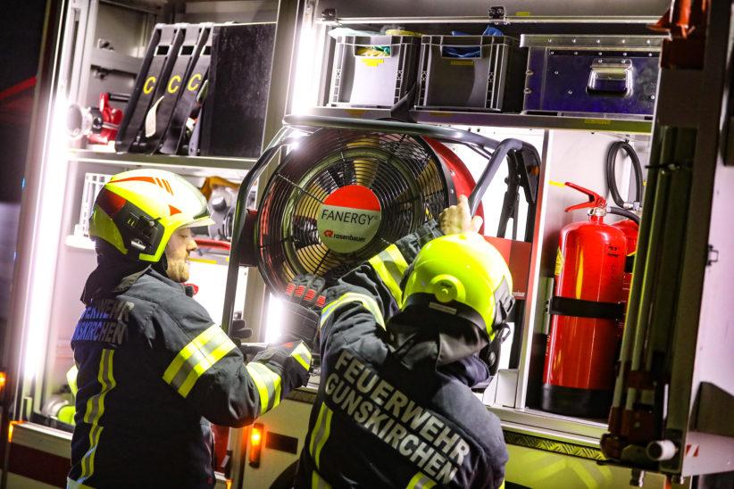 Brand eines Adventkranzes in einem Haus in Gunskirchen sorgt für nächtlichen Einsatz