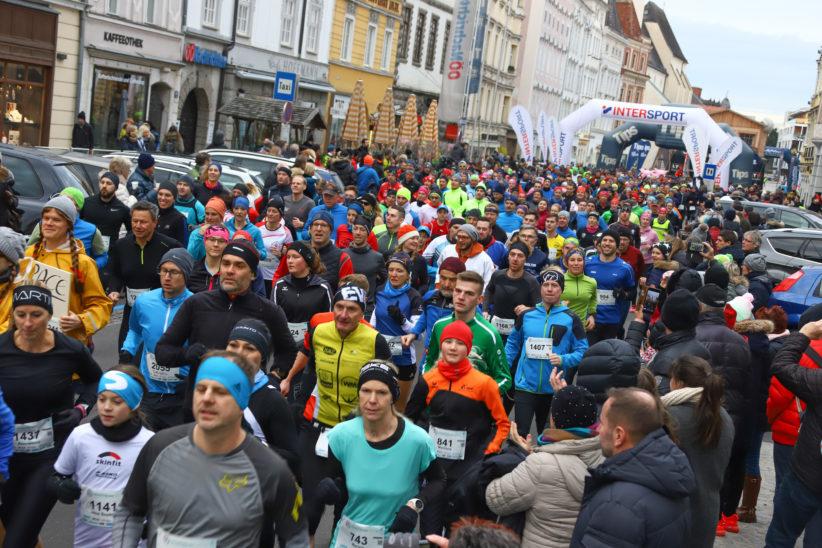 Sportlicher Jahresausklang: 14. Silvesterlauf in der Welser Innenstadt