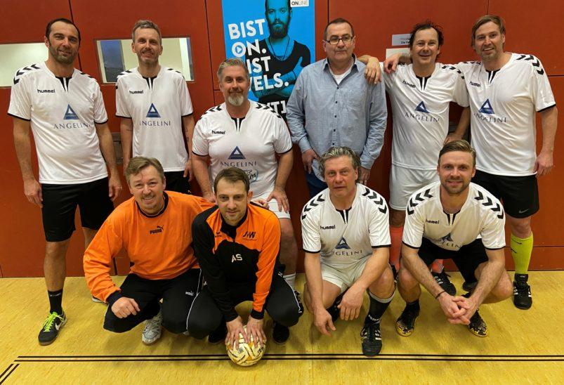 38 Schiedsrichter Hallenfußballturnier Hobbymannschaften