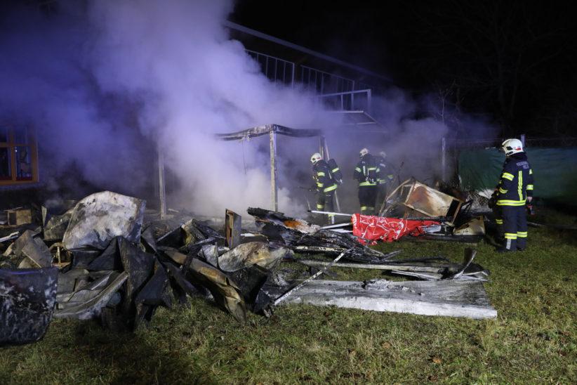 Steckerlfisch-Hütte in Wels-Lichtenegg niedergebrannt