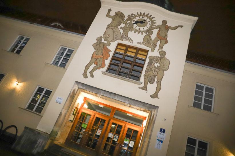 Große Aufregung um Posting wegen angeblich versuchter Kindesentführung vor Schule in Wels-Vogelweide