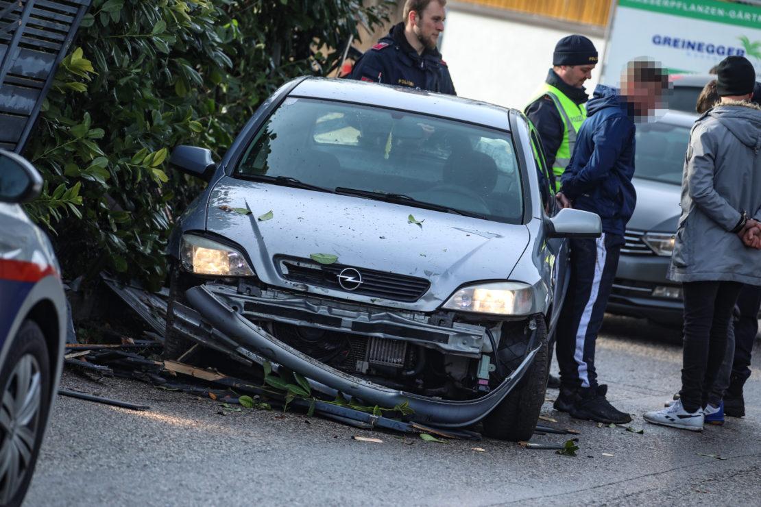 Verfolgungsjagd mit der Polizei endet bei Marchtrenk an Gartenzaun und in Handschellen