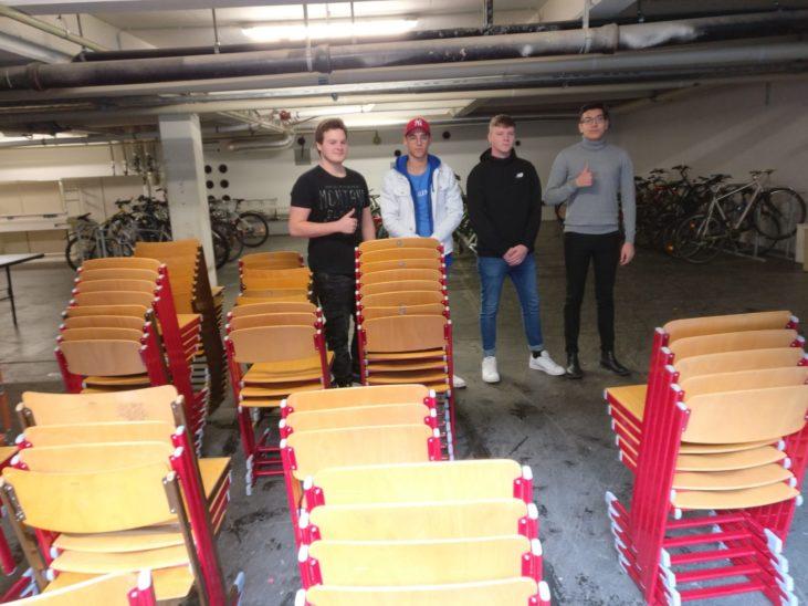 Stühle für den guten Zweck