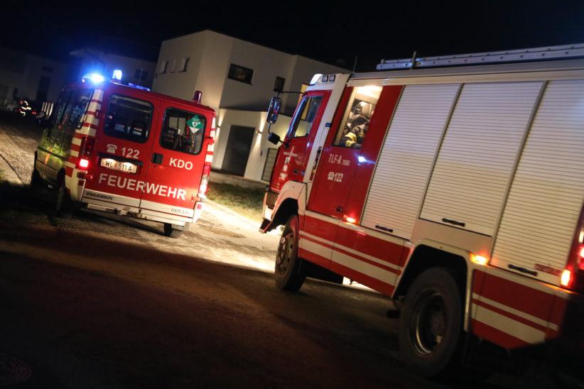 Feuerwehr bei gemeldetem Gasgeruch in einem Wohnhaus in Eberstalzell im Einsatz