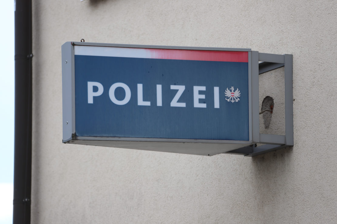 Schreckschusswaffe: Cobra-Einsatz nach Streit an Tankstelle in Krenglbach