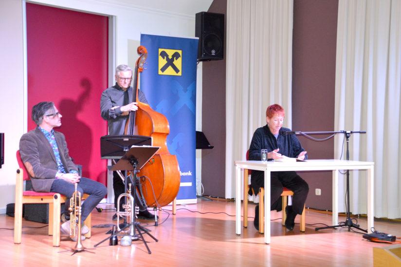 Lesung Eva Rossmann: Aktuelle Themen und zeitloser Jazz