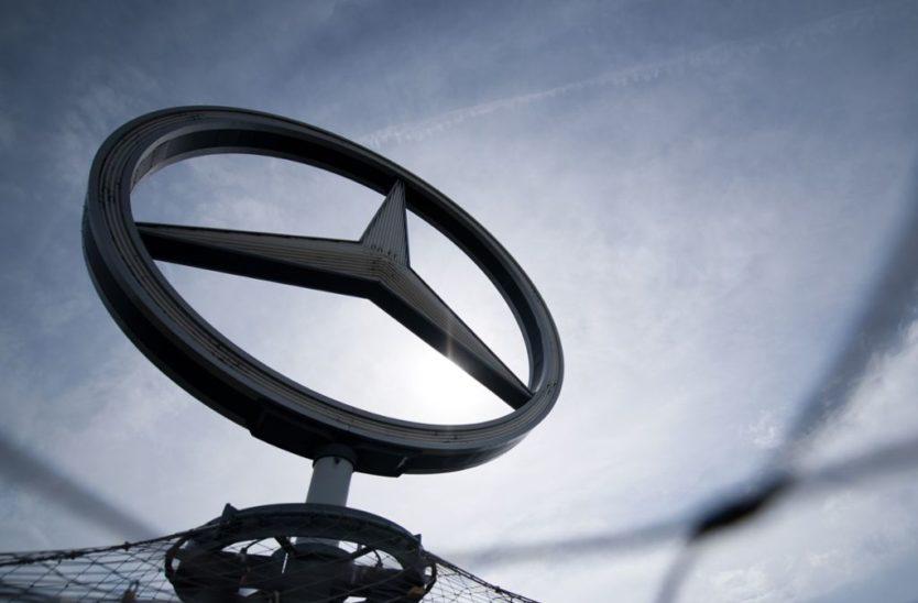 Daimler setzt Produktion teilweise aus
