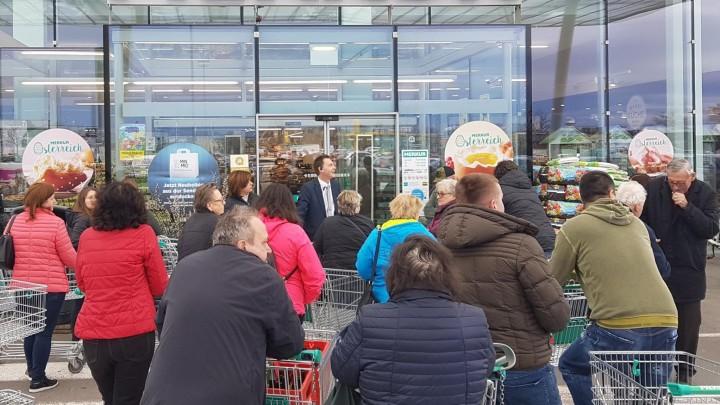 Supermärkte schließen spätestens um 19 Uhr
