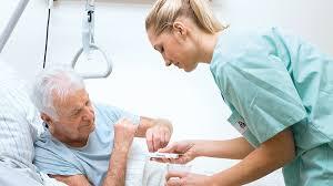 Regierung stellt 100 Millionen Euro für Pflege bereit