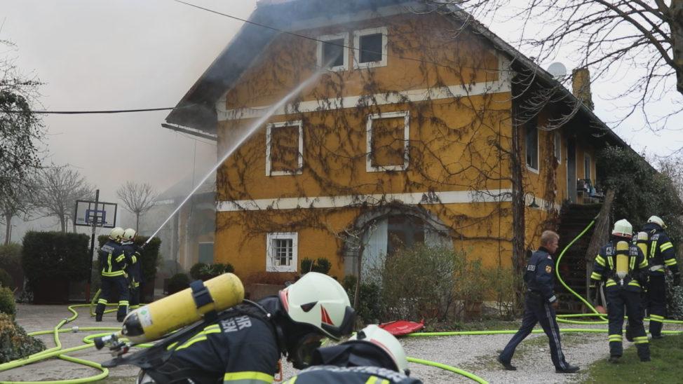 Vollbrand eines Wohnhauses in Holzhausen