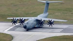 Deutsche Luftwaffe fliegt erkrankte Italiener aus