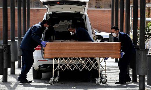 Spanien vermeldete 832 Tote binnen 24 Stunden