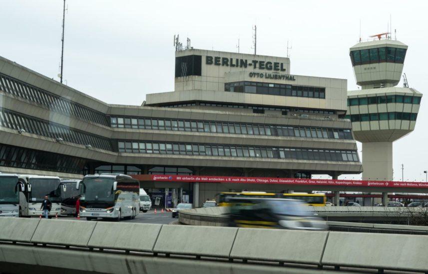 Kritik an möglicher Schließung von Berlins Airport Tegel