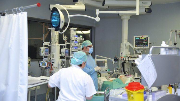 Rund zehn Prozent der Erkrankten im Spital