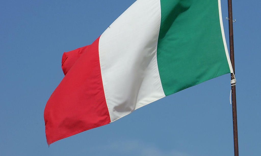 Griechenland hisst aus Solidarität italienische Fahne