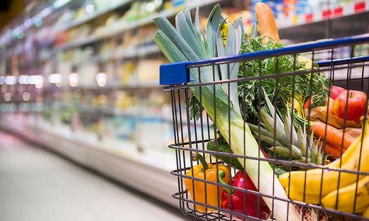 Handelsketten beschränken ab Karsamstag Non-Food-Verkauf