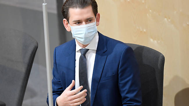 """Kurz für erweiterte Maskenpflicht und """"Containment"""""""