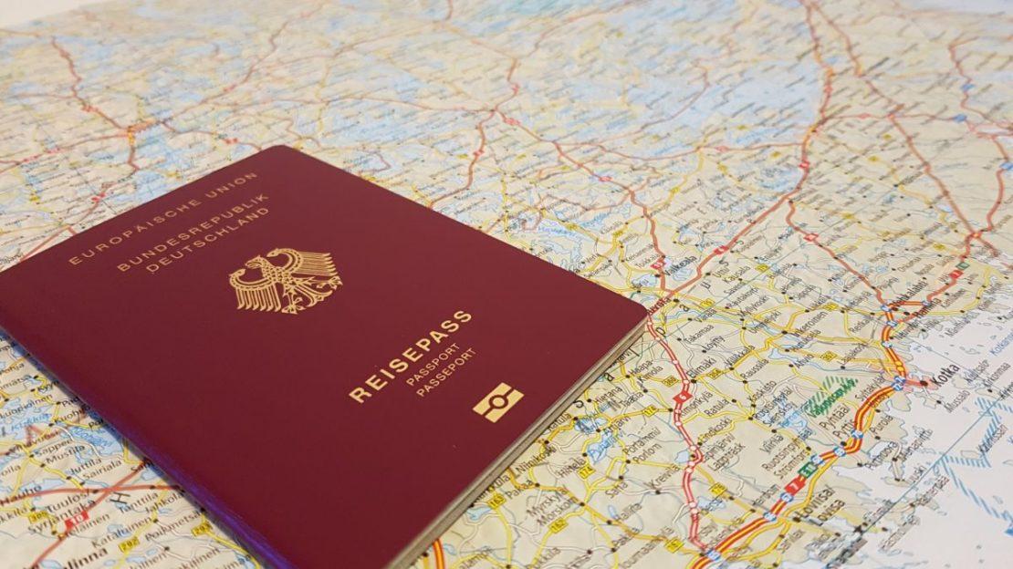 FPÖ und NEOS sorgen sich um Reisefreiheit
