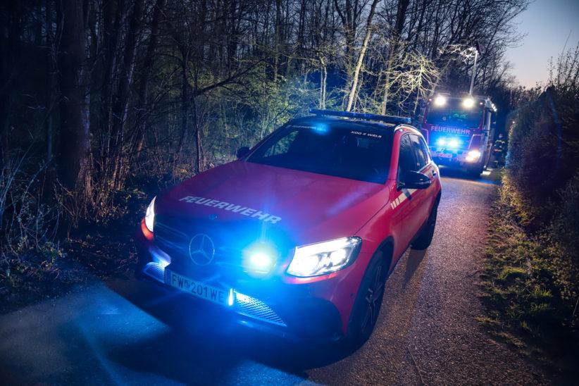 Nicht abgelöschtes Lagerfeuer sorgt für Einsatz der Feuerwehr in Wels-Lichtenegg