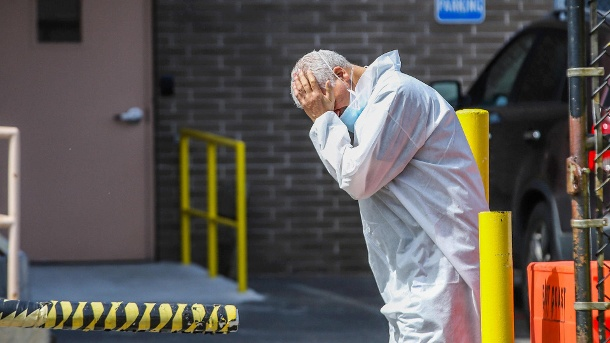Fast 2.000 Coronavirus-Tote in den USA binnen eines Tages
