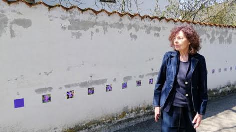 """""""70 m Violets"""" - Kunst zum Plücken von Karin Hannah"""