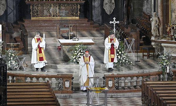 Schönborn feierte in beinahe leerem Stephansdom