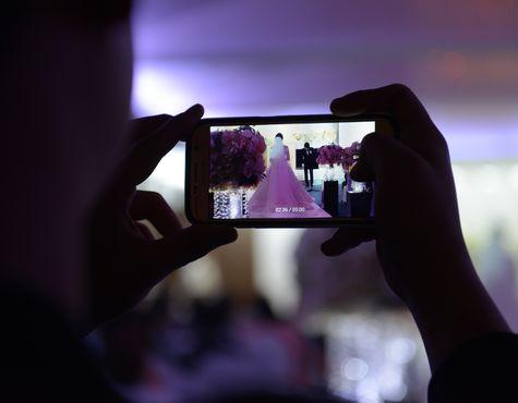 Emirate erlauben Hochzeit über Video-Schaltung