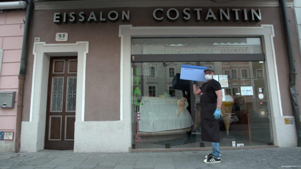 24 Stunden rund um die Uhr frisches Eis von Eissalon Constantin
