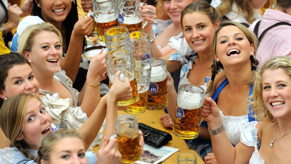 5.000 Euro für Oktoberfest-Tische