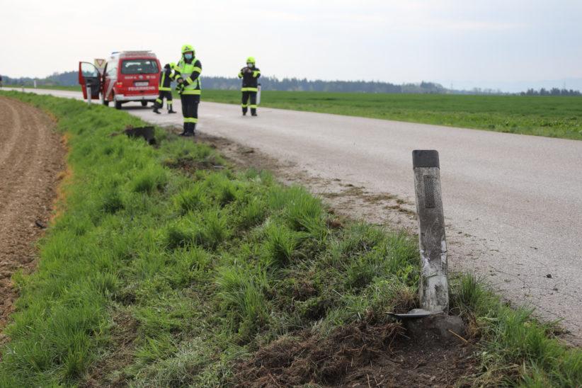 Einsatzkräfte entdecken bei Sipbachzell während Fahrt zu einem anderen Unfall weitere Unfallstelle