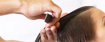 Friseure öffnen unter strengen Regeln