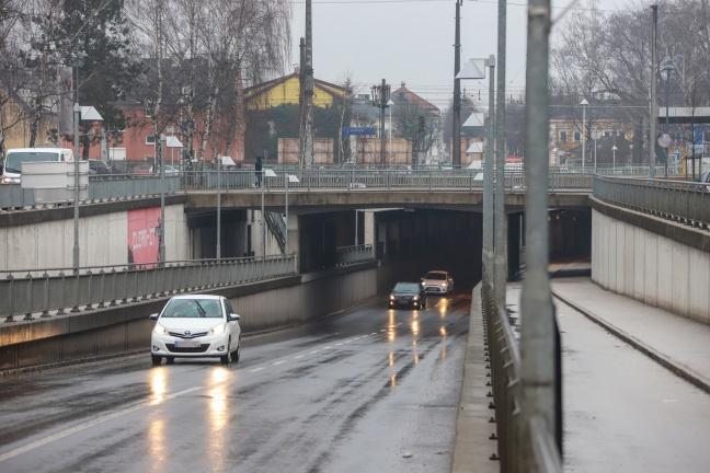 Verkehr hat sich am Wochenende im März fast halbiert