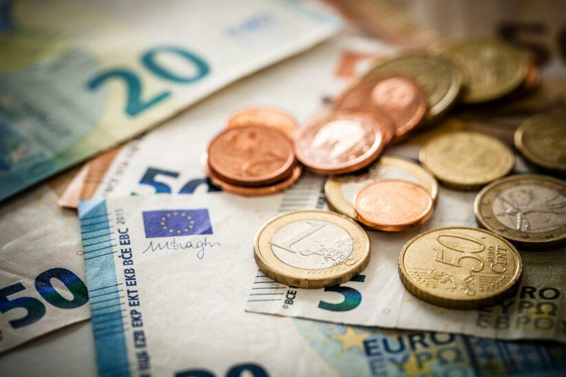 Deutsche setzten zu Coronabeginn auf Bargeld