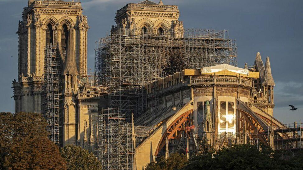An der Kathedrale Notre-Dame wird wieder gearbeitet