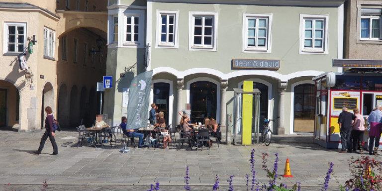 Auch Linz überlegt Verzicht auf Schanigartengebühren