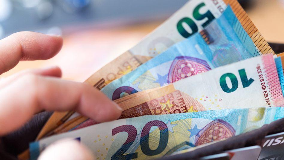 Österreicher halten in der Krise gerne Bares in der Hand